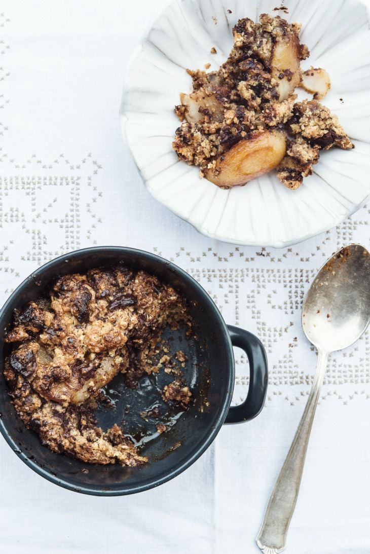 Crumble de chocolate y peras