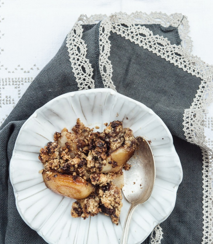 Crumble de chocolate y peras